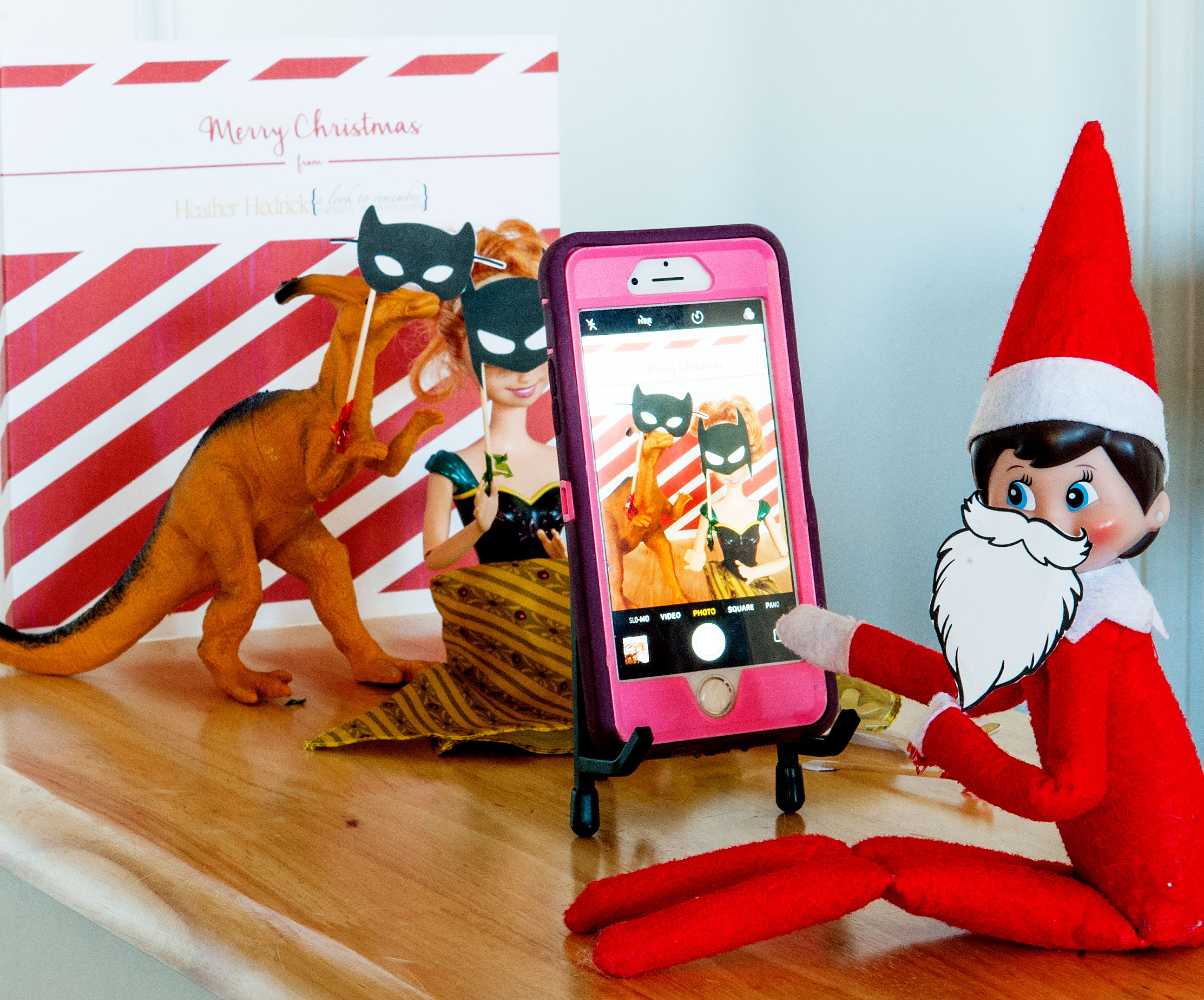 elf-on-the-shelf-photo-booth-3
